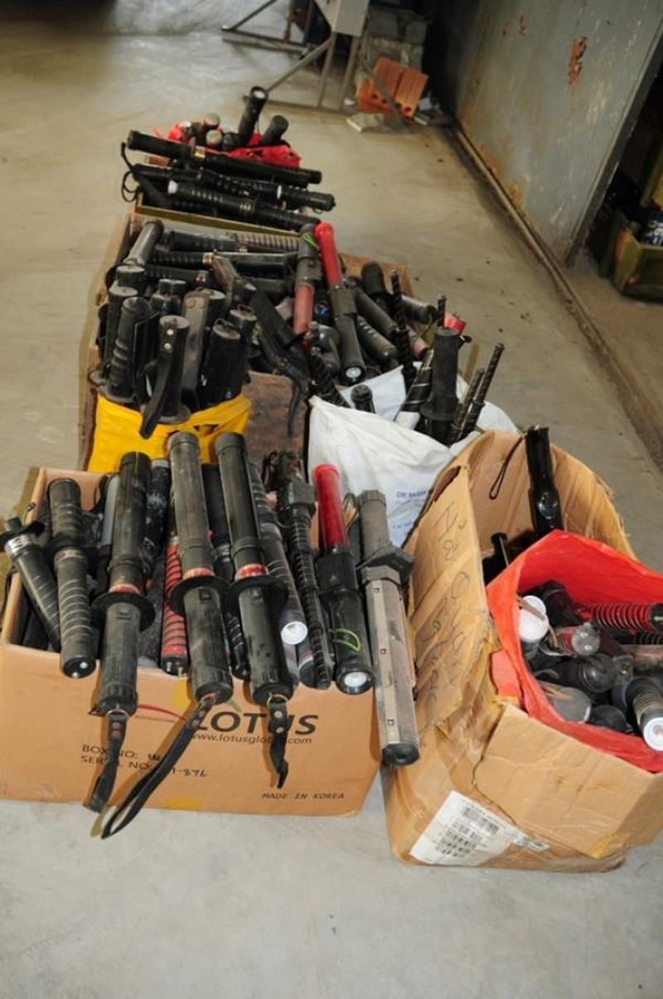 Tiêu hủy trên 5.000 vũ khí các loại tại Hải Phòng - ảnh 2