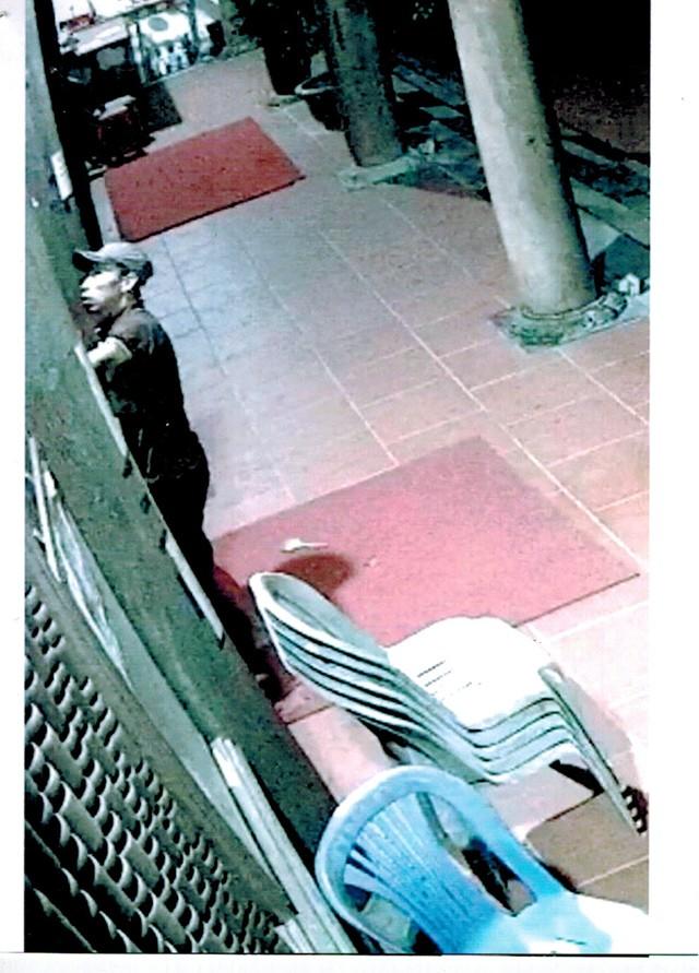 Trộm đột nhập ngôi đền khui hòm công đức lấy 300 triệu đồng - ảnh 1
