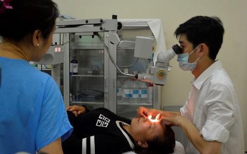 Phẫu thuật mắt miễn phí cho người dân Cần Giờ - ảnh 1