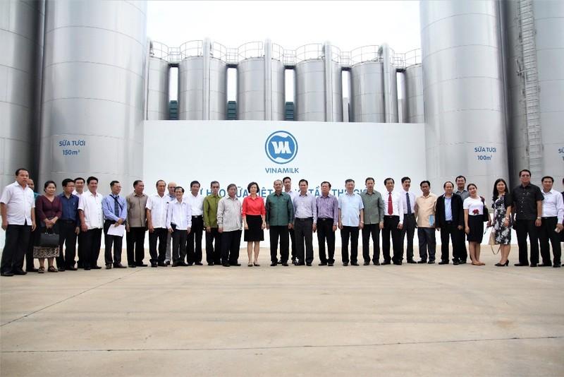 Vinamilk tiếp đoàn đại biểu cấp cao Lào - ảnh 2