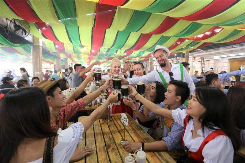Ngây ngất hơi men tại Lễ hội bia Bà Nà Hills - ảnh 4