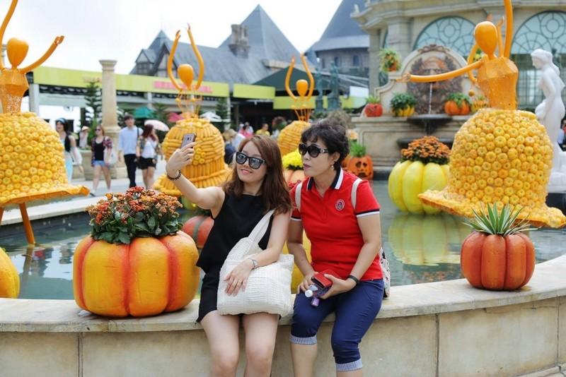 Gặp Lọ Lem, Aladdin… ở Halloween Sun World Ba Na Hills  - ảnh 2