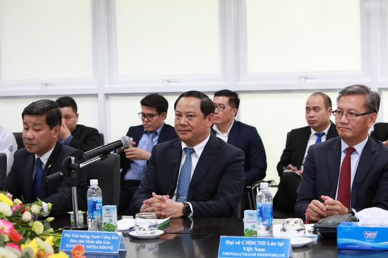 Vinamilk vinh dự đón tiếp Phó Thủ tướng Lào - ảnh 1
