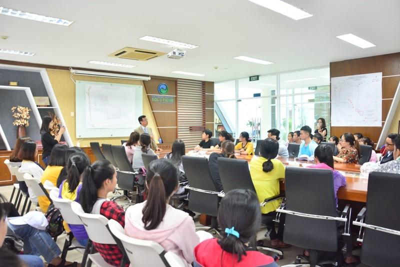 Buổi tham quan bổ ích của sinh viên môi trường - ảnh 1