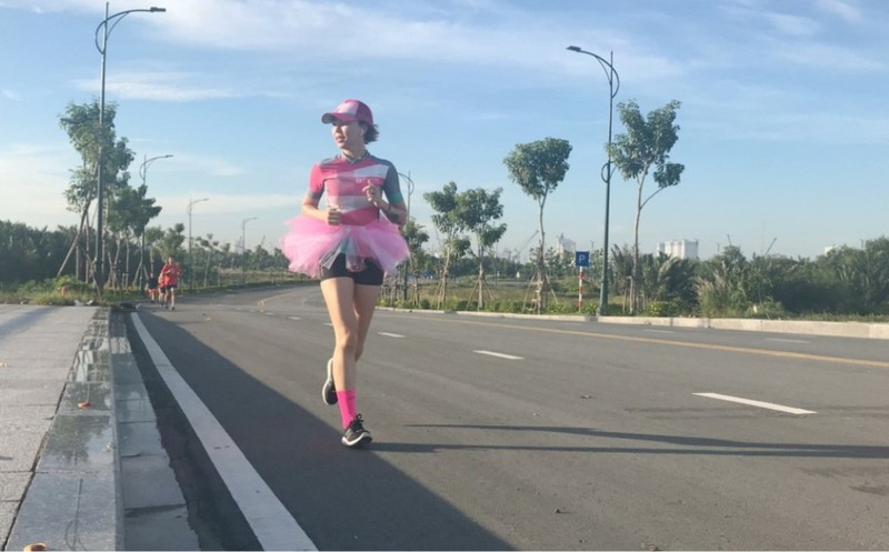 Người phụ nữ VN đầu tiên tham gia Marathon Bắc Cực - ảnh 1