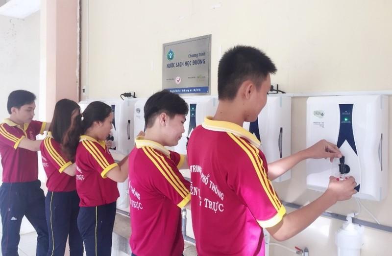 27 trường học tỉnh Long An được trang bị máy lọc nước - ảnh 3