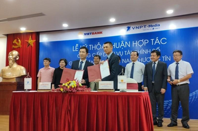VNPT-Media và Vietbank ký kết thỏa thuận hợp tác   - ảnh 1