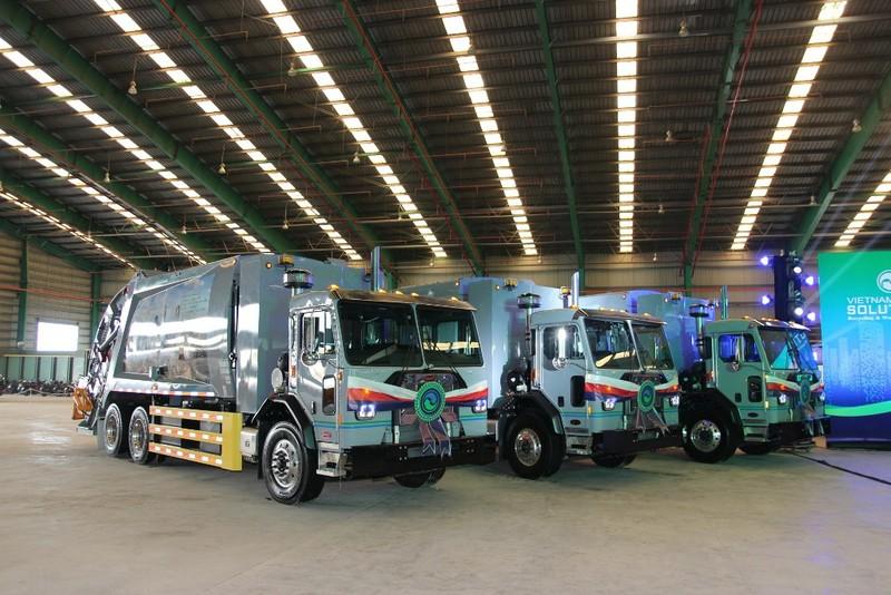 VWS tặng 6 xe chở rác của Mỹ cho TP.HCM, Long An, Kiên Giang  - ảnh 3