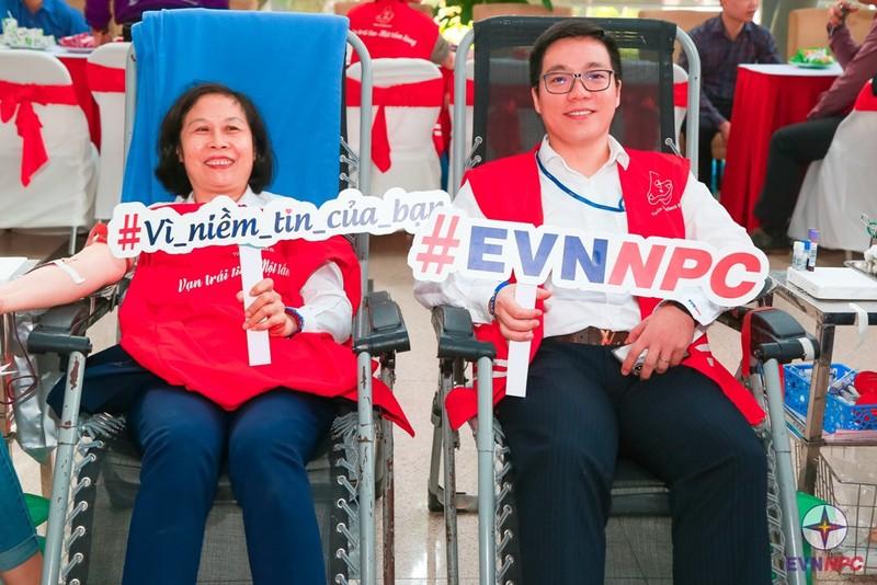 EVNNPC: Hơn 3.300 cán bộ nhân viên tình nguyện hiến máu - ảnh 1