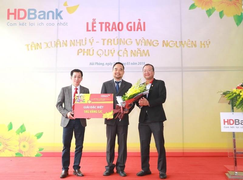 Khách hàng HDBank trúng thưởng một ký vàng - ảnh 1
