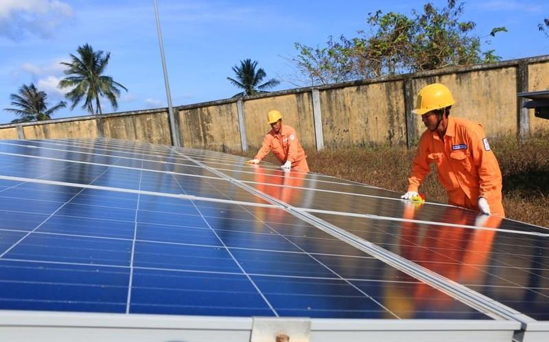 EVNSPC hướng dẫn thực hiện dự án điện mặt trời trên mái nhà    - ảnh 1