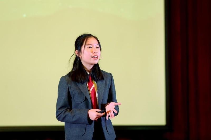 """Cô bé 14 tuổi báo động """"ô nhiễm ánh sáng"""" tại sân khấu TEDx - ảnh 1"""