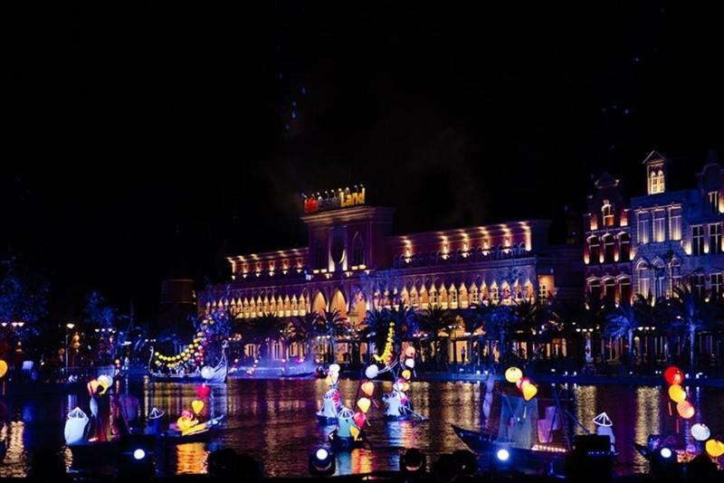 Rực rỡ sắc màu Carnival trên sông tại Vinpearl Land Nam Hội An - ảnh 2