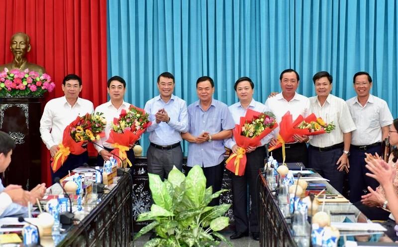 Vietcombank ủng hộ 4 tỉ đồng công tác an sinh xã hội - ảnh 2