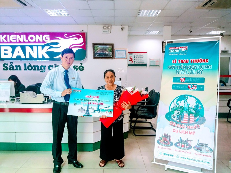 Kienlongbank trao thưởng cho 90 khách hàng  - ảnh 2