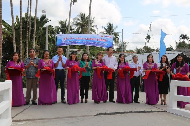 VietBank khánh thành cầu giao thông nông thôn - ảnh 1