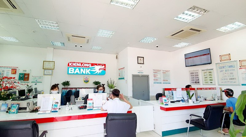 Bị thiệt hại do hạn mặn, Kienlongbank giảm lãi suất vay 3%     - ảnh 1