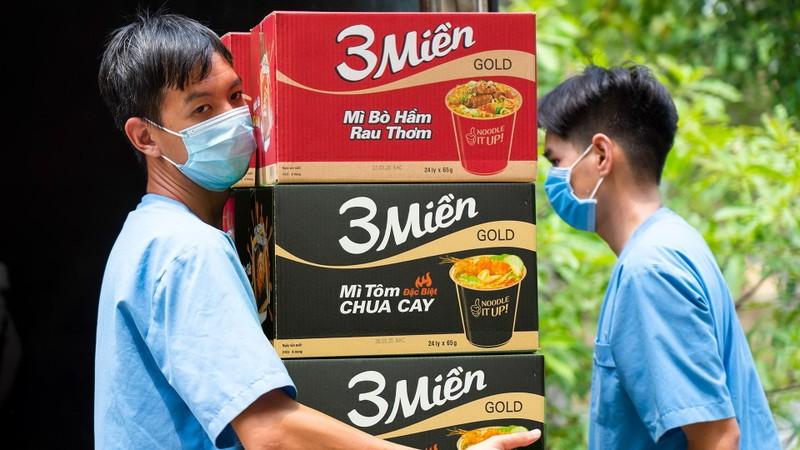 Uniben tặng 150.000 bữa ăn dinh dưỡng tới các y bác sĩ - ảnh 7