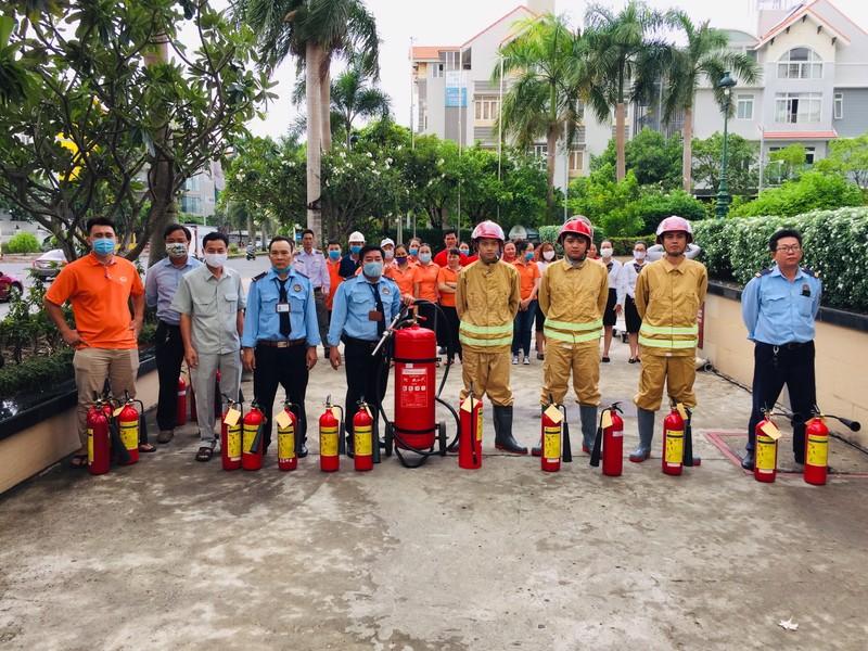 Him Lam Land hướng dẫn cư dân phòng cháy chữa cháy - ảnh 1