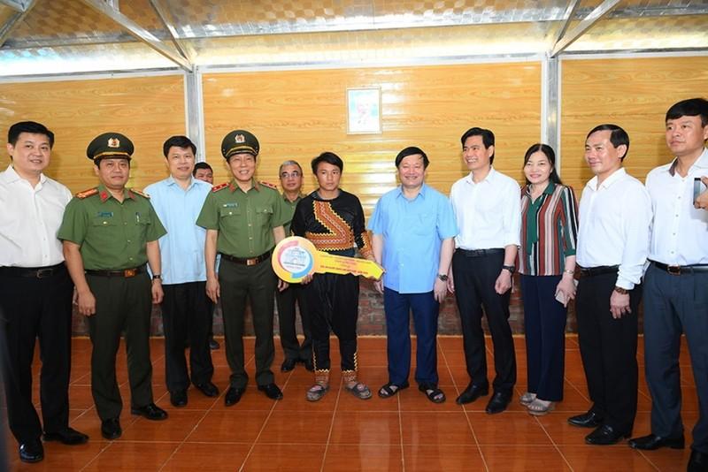 Agribank ủng hộ kinh phí xây nhà cho 1.400 hộ nghèo Sơn La     - ảnh 2