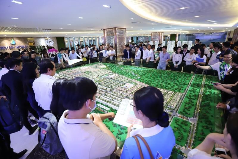 Gần 2.000 khách tham quan dự án Gem Sky World - ảnh 1