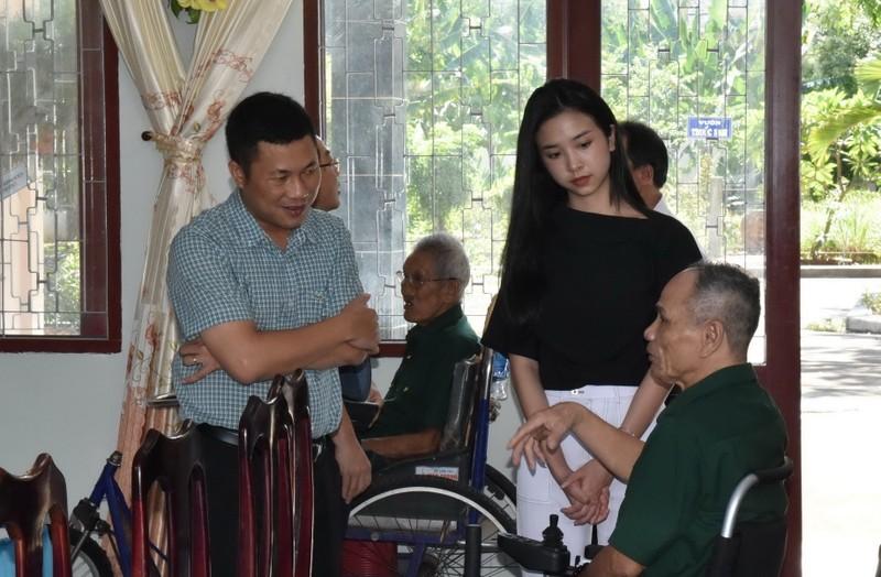 Him Lam Land tặng quà 10 trung tâm điều dưỡng thương binh nặng - ảnh 2