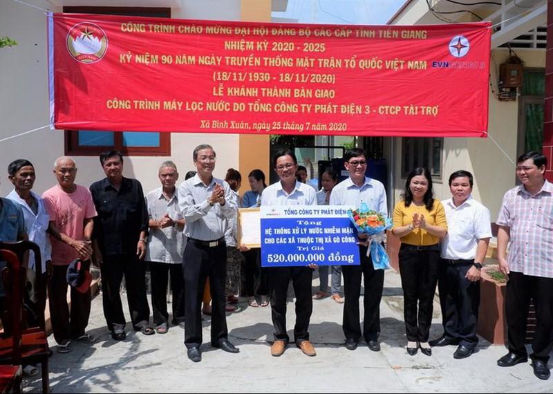 EVNGENCO 3 tặng Tiền Giang hai hệ thống lọc nước nhiễm mặn     - ảnh 1