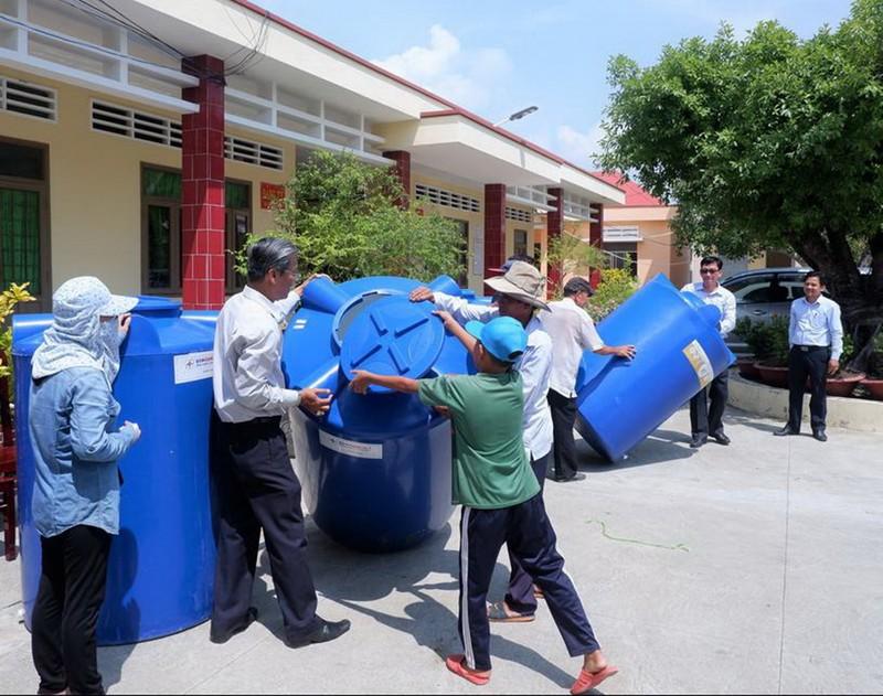 EVNGENCO 3 tặng Tiền Giang hai hệ thống lọc nước nhiễm mặn     - ảnh 2