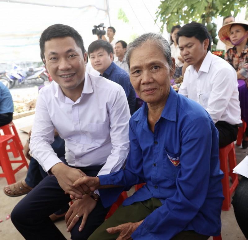 Him Lam Land tặng nhà tình nghĩa cho gia đình liệt sĩ Hà Tĩnh  - ảnh 2
