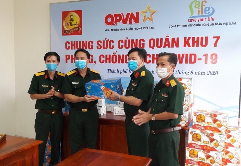 Trà thanh nhiệt Dr Thanh đến với Quân khu 5, Quân khu 7 - ảnh 2
