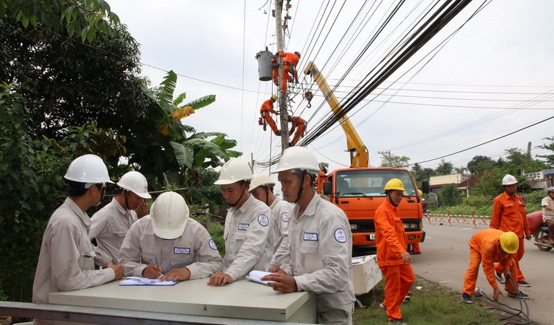 EVNSPC đảm bảo an toàn và phòng chống tai nạn điện mùa mưa bão - ảnh 2