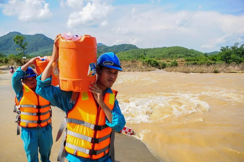 Viettel: Đảm bảo cao nhất thông tin liên lạc trong bão số 5 - ảnh 3