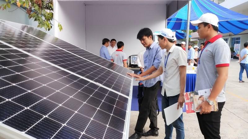 Điện mặt trời mái nhà phát triển mạnh mẽ tại phía Nam - ảnh 2