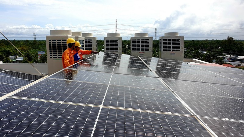Điện mặt trời mái nhà phát triển mạnh mẽ tại phía Nam - ảnh 1