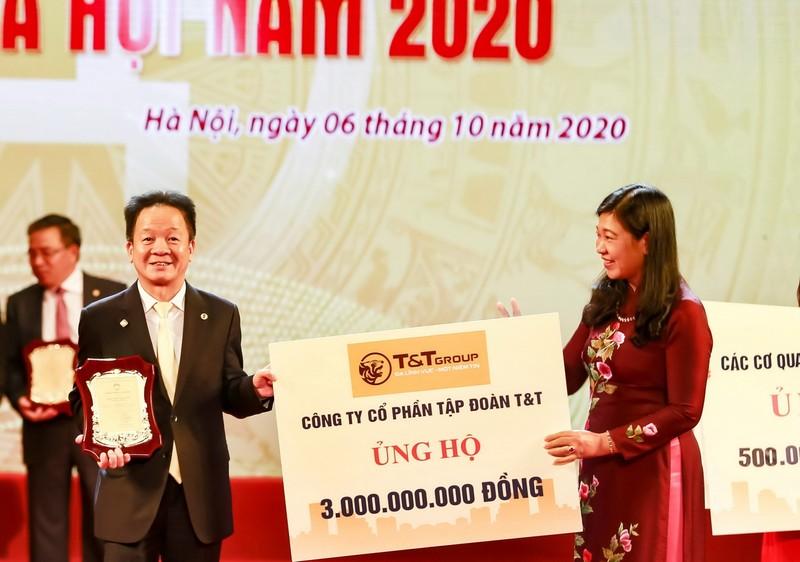 'Bầu Hiển' ủng hộ 5 tỉ đồng quỹ Vì người nghèo Hà Nội - ảnh 1