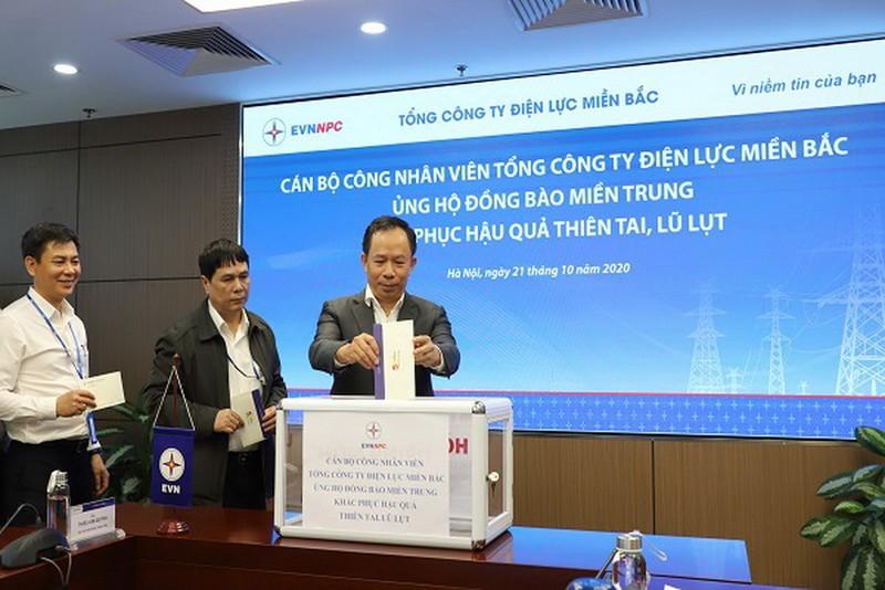 EVNNPC ủng hộ 4,7 tỉ đồng cho đồng bào miền Trung - ảnh 1