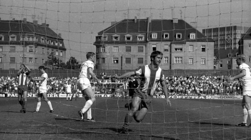 Lewandowski sắp phá vỡ kỷ lục ghi bàn lâu đời nhất Bundesliga  - ảnh 1
