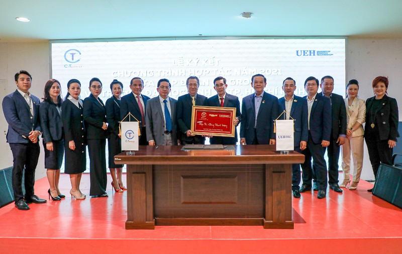 C.T Group và ĐH Kinh tế TP.HCM hợp tác chiến lược toàn diện - ảnh 2