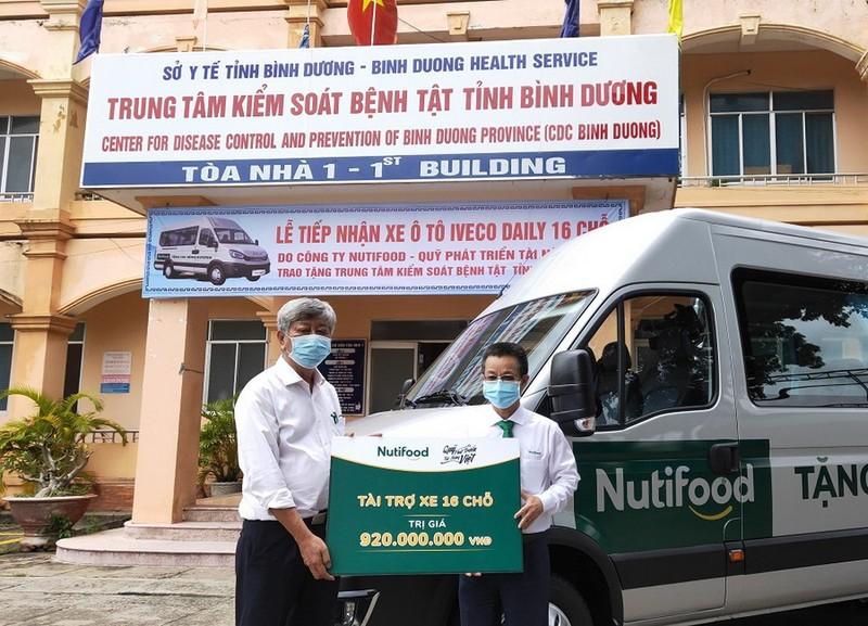 Quỹ phát triển tài năng Việt tặng xe cho Bình Dương chống dịch - ảnh 1