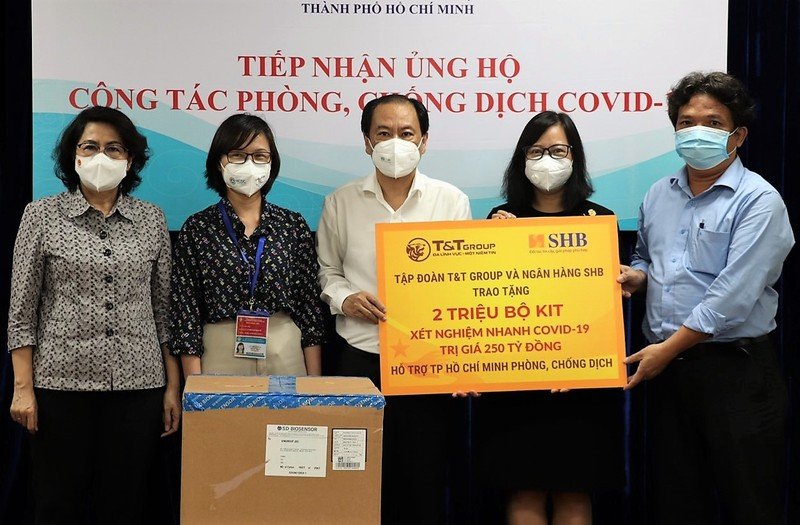 T&T Group và SHB tặng TP.HCM 2 triệu bộ kit xét nghiệm nhanh - ảnh 1