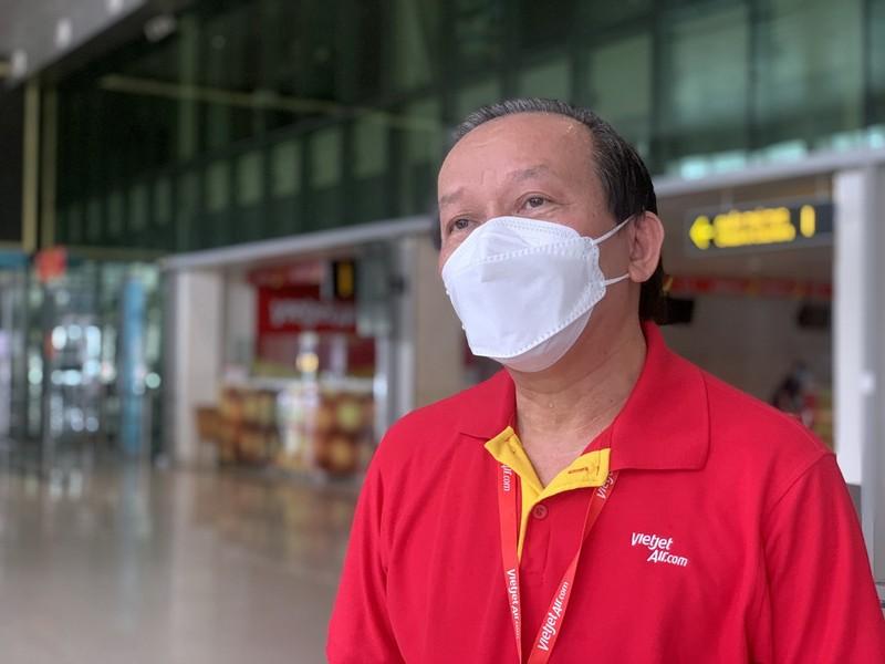 Người đứng sau những chuyến bay đưa thai phụ, người già về quê tránh dịch - ảnh 1