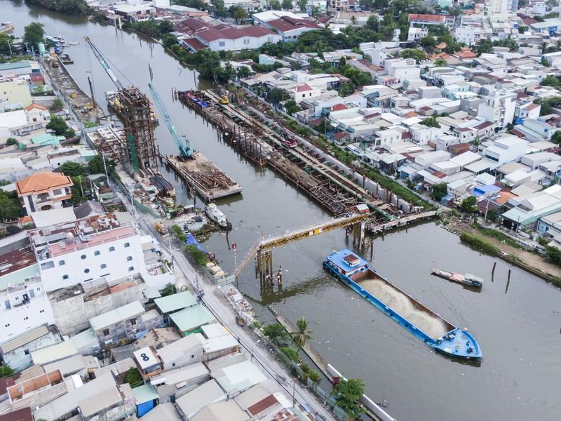 Cận cảnh thi công dự án chống ngập 10.000 tỉ dưới đáy sông - ảnh 12
