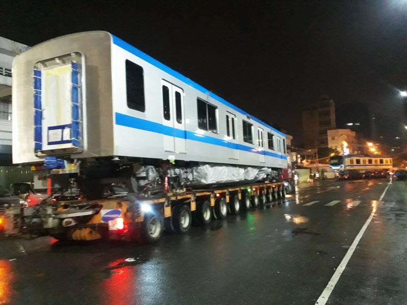 Hành trình di chuyển của toa tàu metro trong đêm - ảnh 2