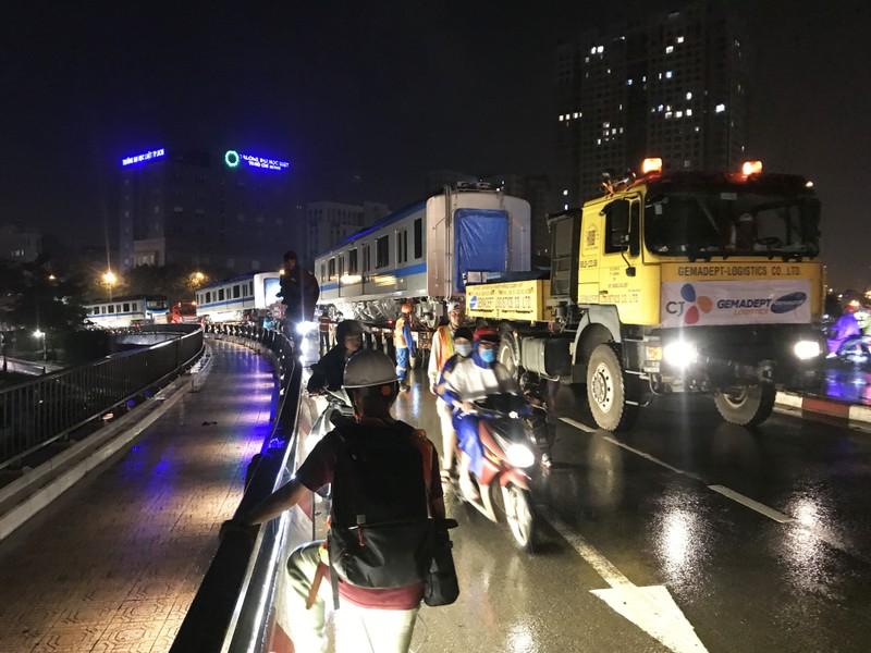 Hành trình di chuyển của toa tàu metro trong đêm - ảnh 3