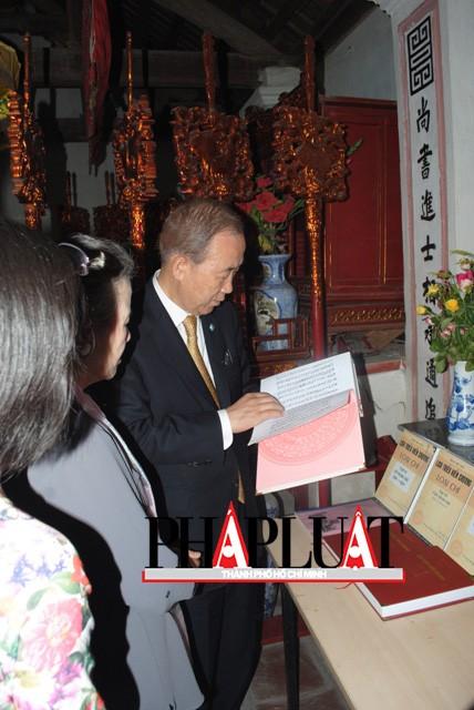 Chùm ảnh độc quyền: Ông Ban Ki - Moon làm gì tại nhà thờ họ Phan Huy? - ảnh 7