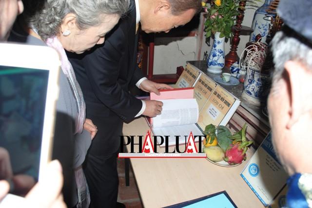 Chùm ảnh độc quyền: Ông Ban Ki - Moon làm gì tại nhà thờ họ Phan Huy? - ảnh 8