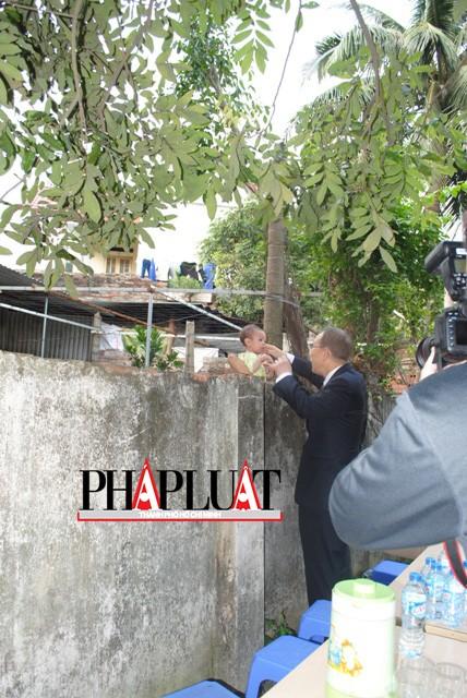 Chùm ảnh độc quyền: Ông Ban Ki - Moon làm gì tại nhà thờ họ Phan Huy? - ảnh 13