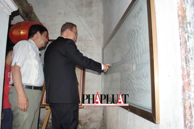 Chùm ảnh độc quyền: Ông Ban Ki - Moon làm gì tại nhà thờ họ Phan Huy? - ảnh 9