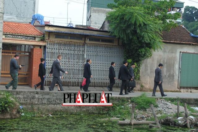 Chùm ảnh độc quyền: Ông Ban Ki - Moon làm gì tại nhà thờ họ Phan Huy? - ảnh 17