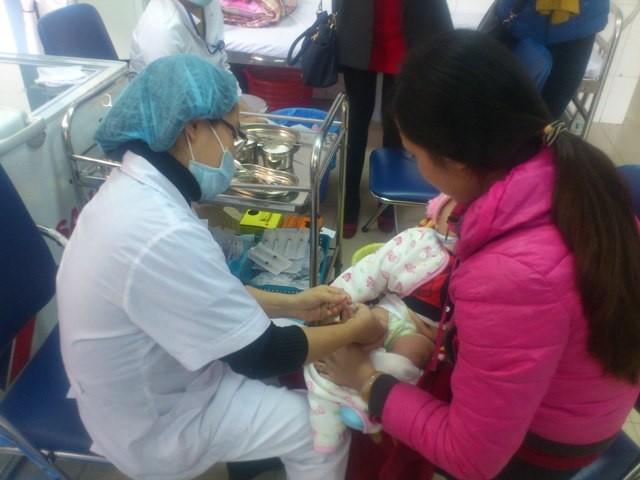 Trẻ tử vong sau tiêm ngừa ở Hải Dương do sốc nhiễm khuẩn - ảnh 1